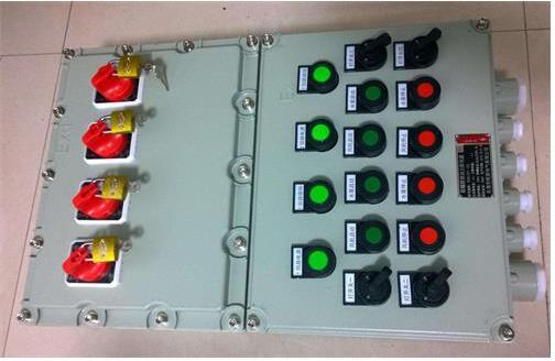 11KW电机正反转防爆控制箱产品特点   1. 本产品外壳采用优质钢板焊接成型,表面经高速抛丸后粉末静电喷塑,外形美观;   2. 防爆电机控制箱为改进型防爆产品,内部可装防爆按钮、防爆指示灯、防爆电流表、防爆开关、防爆电压表等各种仪表和控制需要部分;   3. 采用多样化设计,可选择柜式(上下形式,左右形式)、壁挂式、琴台式、平面式等;   4. 防爆电机控制箱内部可按客户要求加装防护门,能够显示内部控制部分的显示或动作;   5. 所有紧固件均采用抗强腐蚀的304不锈钢材质;   6. 布线方式,